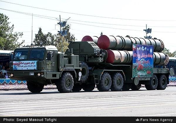 Mục kích dàn vũ khí 'khủng' của quân đội Iran ảnh 15