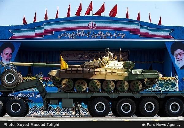 Mục kích dàn vũ khí 'khủng' của quân đội Iran ảnh 16