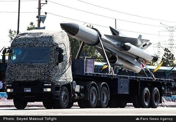 Mục kích dàn vũ khí 'khủng' của quân đội Iran ảnh 17