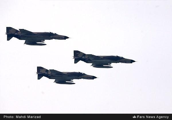 Mục kích dàn vũ khí 'khủng' của quân đội Iran ảnh 20