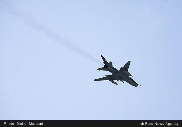 Mục kích dàn vũ khí 'khủng' của quân đội Iran ảnh 21