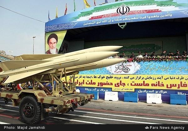 Mục kích dàn vũ khí 'khủng' của quân đội Iran ảnh 7