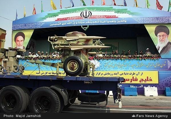 Mục kích dàn vũ khí 'khủng' của quân đội Iran ảnh 8