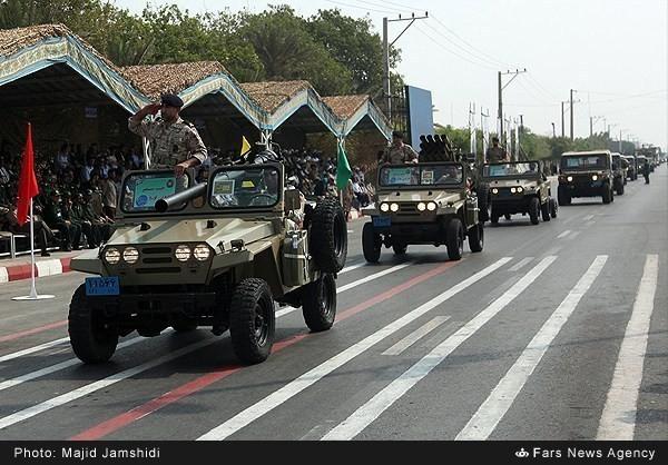 Mục kích dàn vũ khí 'khủng' của quân đội Iran ảnh 9