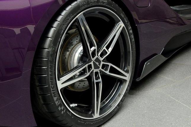 BMW i8 độ chính hãng màu độc tại Abu Dhabi ảnh 2