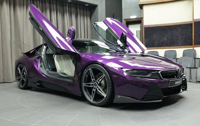 BMW i8 độ chính hãng màu độc tại Abu Dhabi ảnh 3