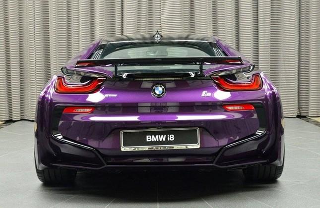 BMW i8 độ chính hãng màu độc tại Abu Dhabi ảnh 6