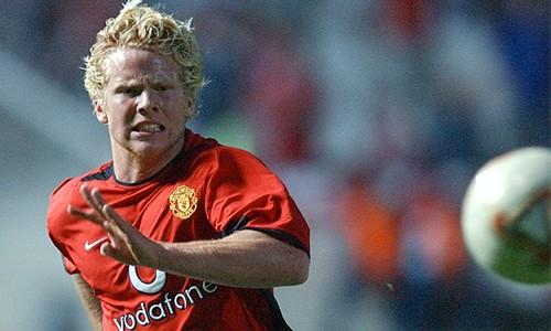 Ferguson nổi giận vì Beckham xin đi máy bay tới sân tập ảnh 1