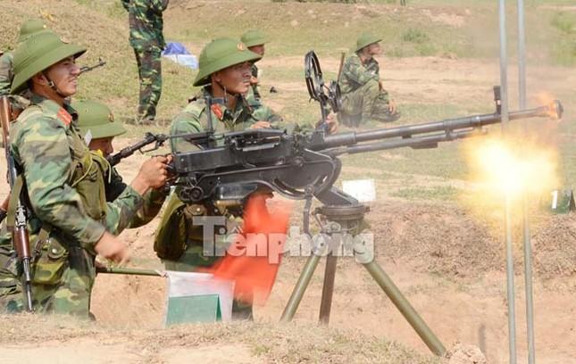 Mục kích đỏ trời hoả lực phòng không ba thứ quân ảnh 12