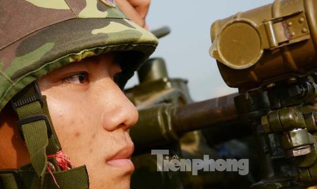 Mục kích đỏ trời hoả lực phòng không ba thứ quân ảnh 8