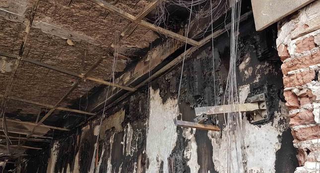 Bên trong quán karaoke bị cháy khiến 13 người chết ảnh 6