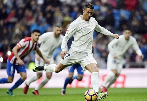 Ronaldo lập cú đúp, Real vượt trước bảy điểm so với Barca ảnh 1
