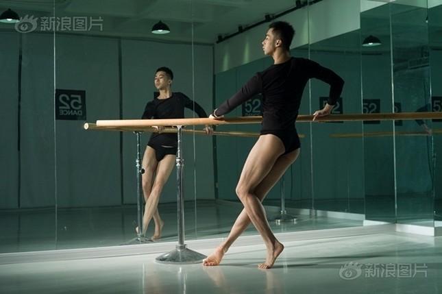 Cuộc sống của nam, nữ vũ công trong hộp đêm Trung Quốc ảnh 7