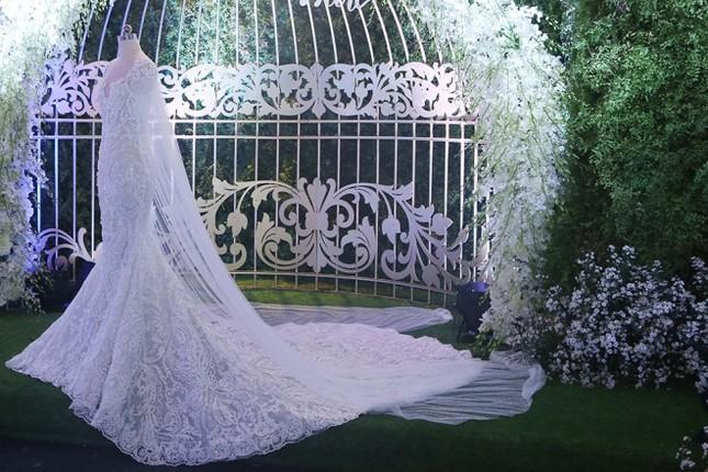 Ba bộ cưới lộng lẫy của cô dâu Hari Won ảnh 2