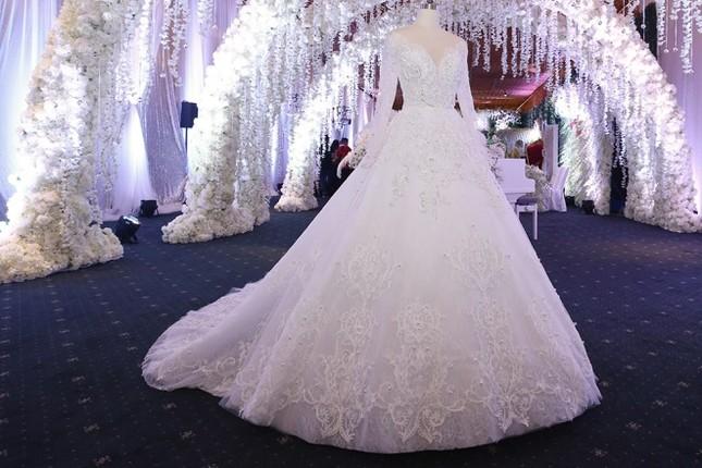 Ba bộ cưới lộng lẫy của cô dâu Hari Won ảnh 5