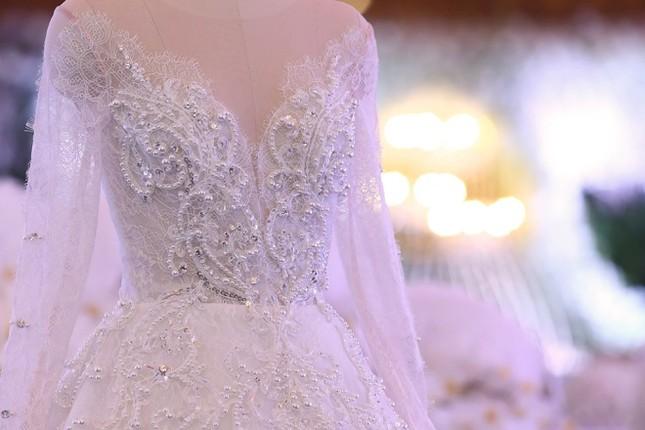 Ba bộ cưới lộng lẫy của cô dâu Hari Won ảnh 6