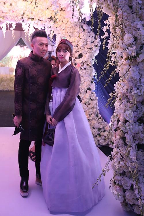 Ba bộ cưới lộng lẫy của cô dâu Hari Won ảnh 9