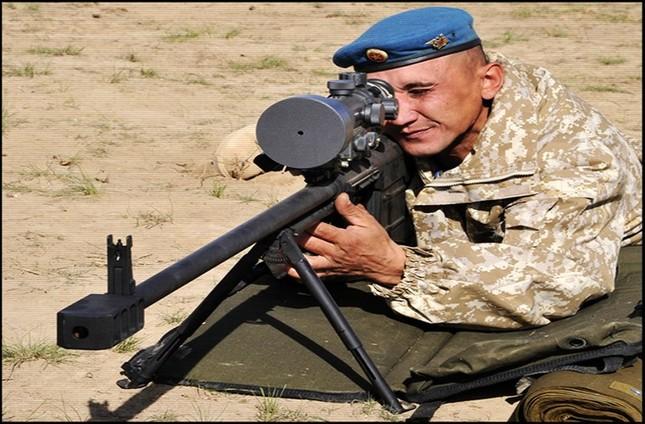 Kinh hãi với uy lực súng trường bắn tỉa xuyên giáp của Nga ảnh 9