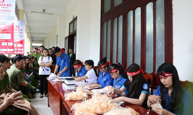 Chủ Nhật Đỏ ở Đà Nẵng: 'Đó là yêu thương...' ảnh 3