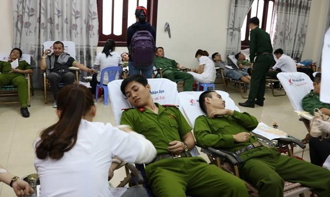 Chủ Nhật Đỏ ở Đà Nẵng: 'Đó là yêu thương...' ảnh 5