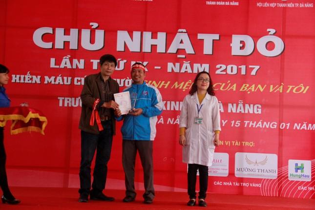 Chủ Nhật Đỏ ở Đà Nẵng: 'Đó là yêu thương...' ảnh 6