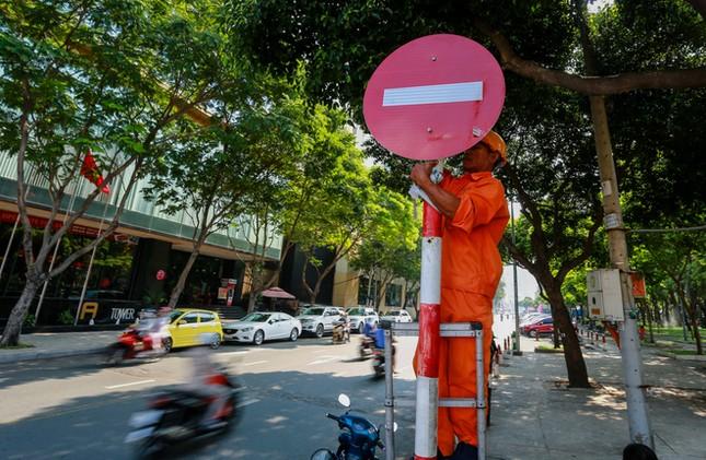 Giao thông trung tâm Sài Gòn rối tung ngày đầu phân luồng ảnh 1