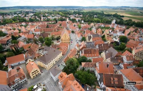Thị trấn nổi tiếng vì chứa 72.000 tấn bụi kim cương ảnh 2