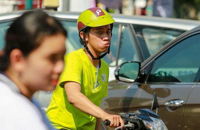Giao thông trung tâm Sài Gòn rối tung ngày đầu phân luồng ảnh 3