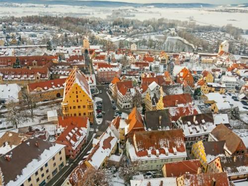 Thị trấn nổi tiếng vì chứa 72.000 tấn bụi kim cương ảnh 3