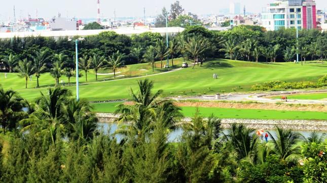 Bên trong sân golf sát đường băng Tân Sơn Nhất ảnh 3