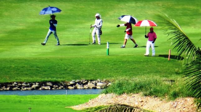 Bên trong sân golf sát đường băng Tân Sơn Nhất ảnh 12