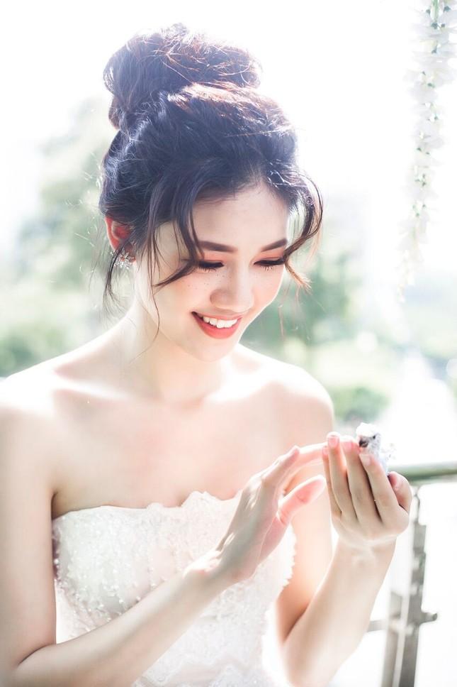 Á hậu Thanh Tú đẹp mê hồn trong bộ ảnh cô dâu ảnh 10
