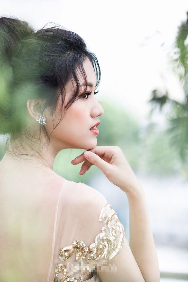 Á hậu Thanh Tú đẹp mê hồn trong bộ ảnh cô dâu ảnh 15