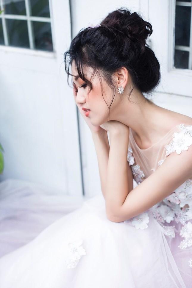 Á hậu Thanh Tú đẹp mê hồn trong bộ ảnh cô dâu ảnh 2