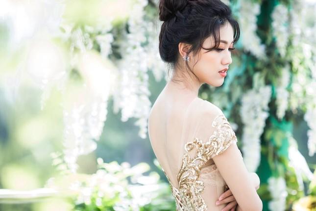 Á hậu Thanh Tú đẹp mê hồn trong bộ ảnh cô dâu ảnh 4
