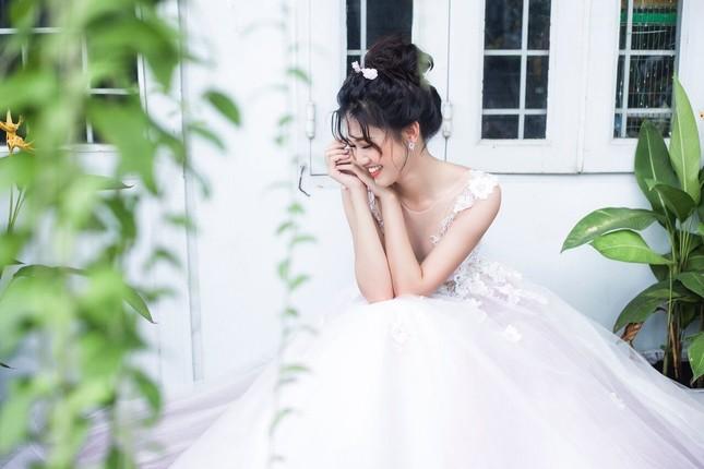 Á hậu Thanh Tú đẹp mê hồn trong bộ ảnh cô dâu ảnh 14