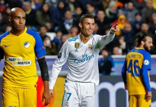 'Fan cuồng' xăm tên và biểu tượng của Ronaldo ảnh 1
