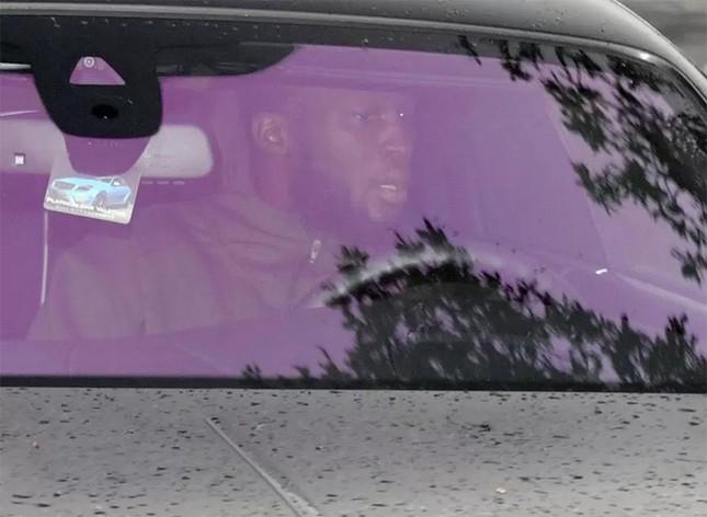 Lukaku khoác áo đấu M.U cho siêu xe Rolls Royce Ghost ảnh 4