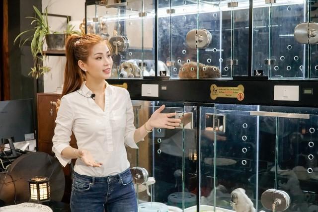 Á hậu Diễm Trang lên sóng VTV, về chung 'nhà' với BTV Thúy Hằng ảnh 4