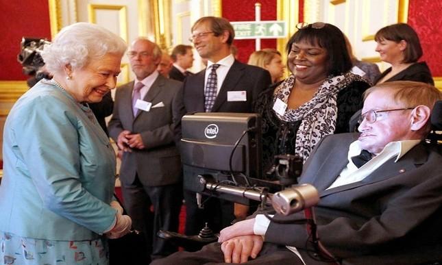 Những dấu mốc trong cuộc đời ông hoàng vật lý Stephen Hawking ảnh 9