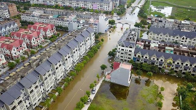 Nỗi lo trộm cắp, ngập nước ở 'làng' biệt thự triệu đô Hà Nội ảnh 1