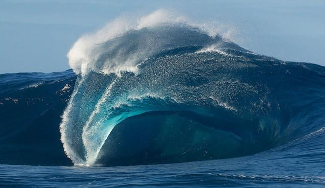 Kinh hoàng những con sóng 'ma' nuốt trọn tàu thuyền ảnh 4