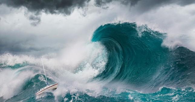 Kinh hoàng những con sóng 'ma' nuốt trọn tàu thuyền ảnh 9