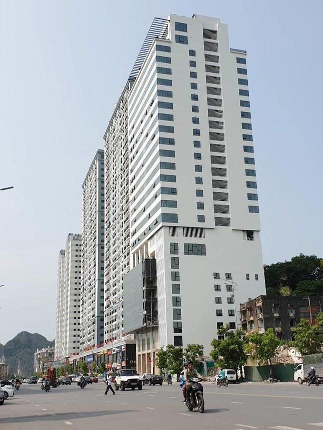 Quảng Ninh 'lúng túng' xử lý cao ốc xây vượt phép 5 tầng ảnh 1