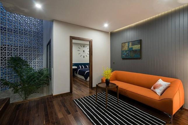 Kiểu biệt thự 3 tầng mới lạ có vẻ đẹp 'thôi miên' ảnh 6