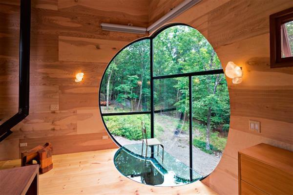 Nhà gỗ hình thang giữa rừng với cửa độc đáo đẹp hút mắt ảnh 5