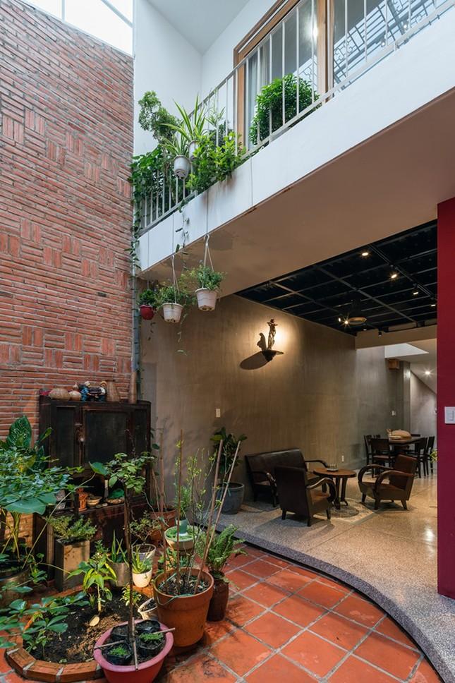 Vợ chồng Việt sửa nhà cấp 4 cũ thành nơi ở đẹp đến mức báo Mỹ cũng phải khen ảnh 8