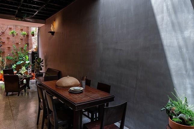 Vợ chồng Việt sửa nhà cấp 4 cũ thành nơi ở đẹp đến mức báo Mỹ cũng phải khen ảnh 14