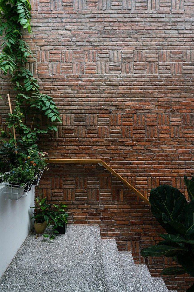 Vợ chồng Việt sửa nhà cấp 4 cũ thành nơi ở đẹp đến mức báo Mỹ cũng phải khen ảnh 15