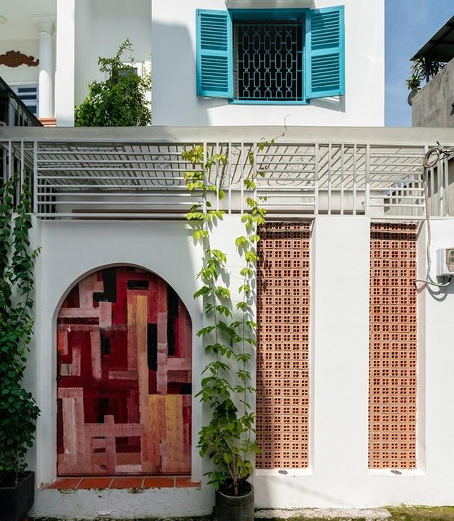 Vợ chồng Việt sửa nhà cấp 4 cũ thành nơi ở đẹp đến mức báo Mỹ cũng phải khen ảnh 1